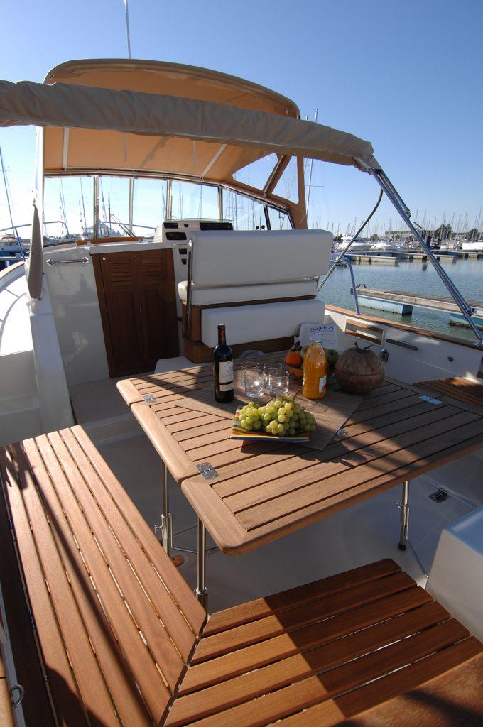 Rhea Marine Open 850 Deck
